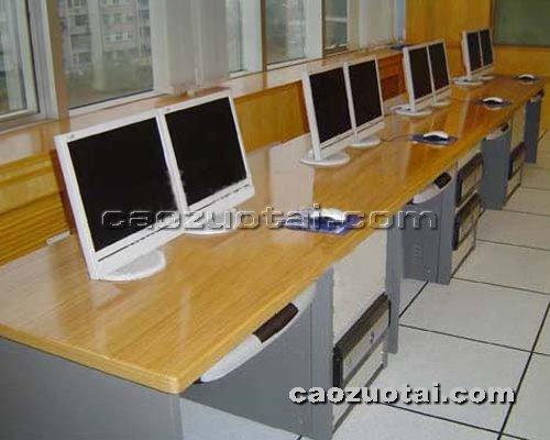 操作台网提供生产供应弧型非编台厂家