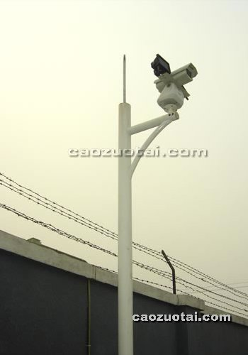 操作台网提供生产八角锥形监控杆厂家