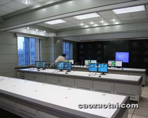 操作台网提供生产高档豪华安防控制台厂家